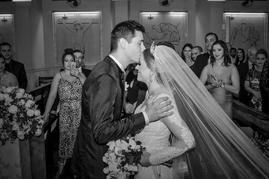 sonhar-com-casamento-de-outra-pessoa
