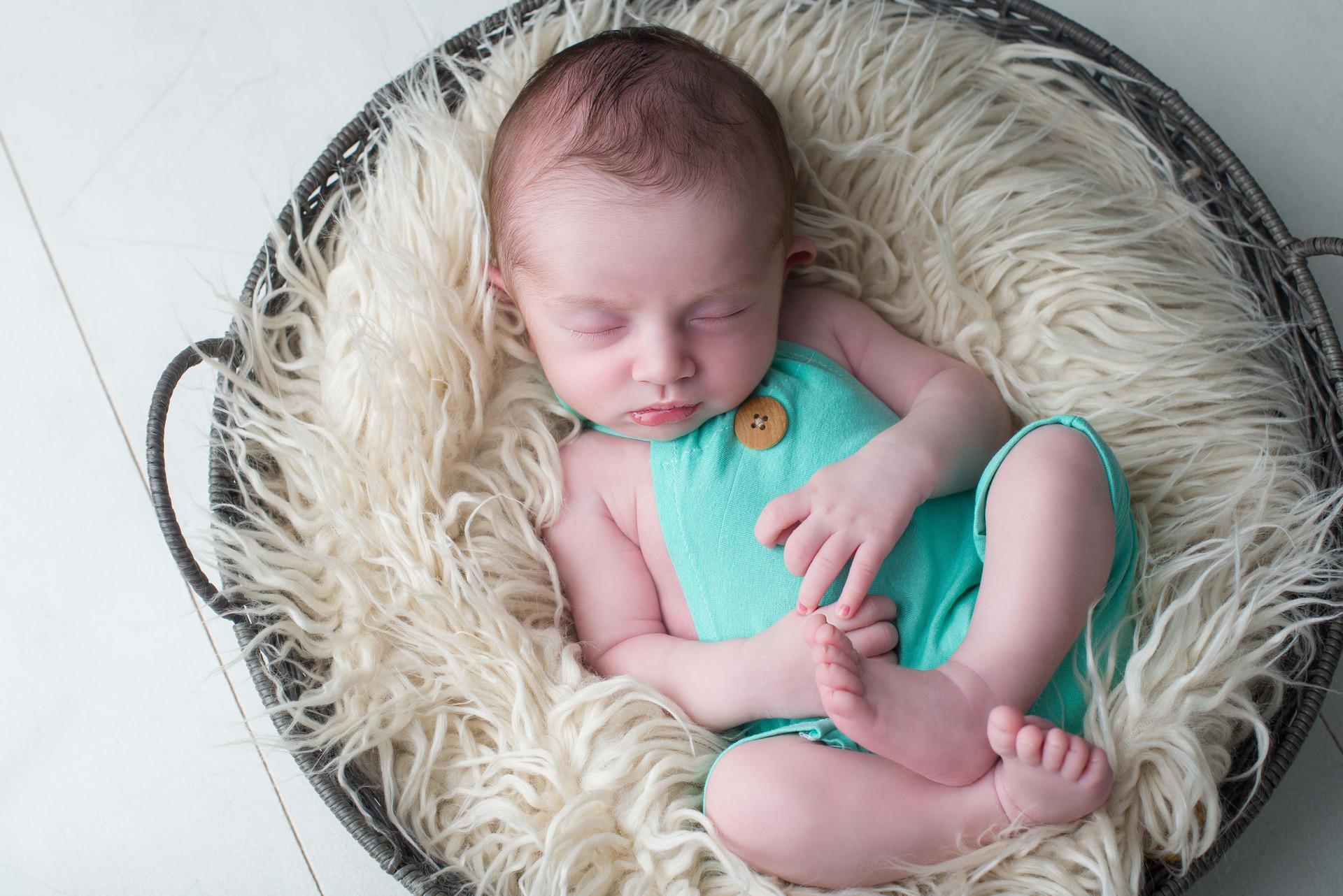 newborn menino, ensaio newborn, newborn, newborn azul, bebê, nascimento, foto de bebê, foto de recem-nascido, fotos fofas, inspiração foto bebê, família, amor