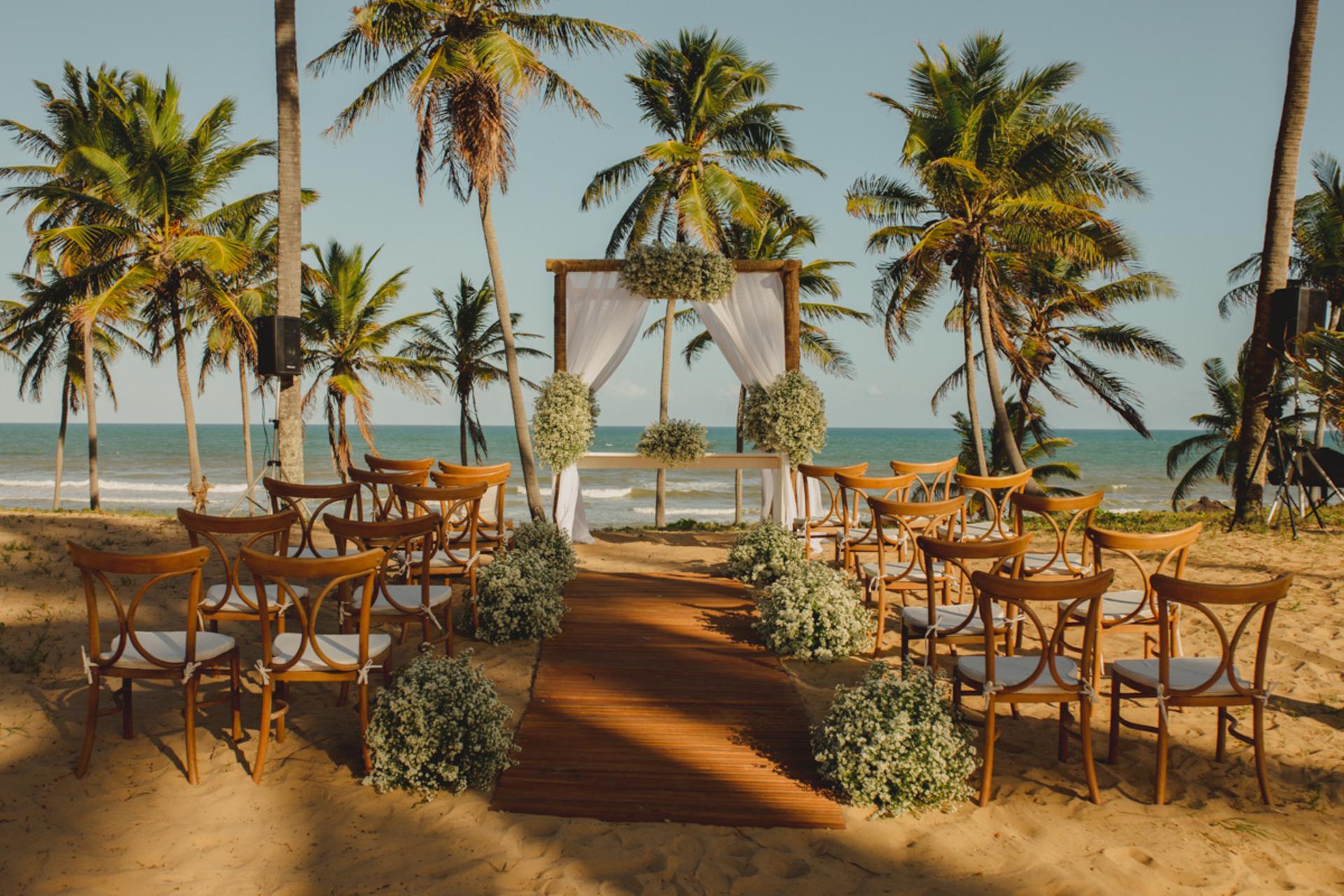 local para cerimônia de casamento em frente a praia nas dunas no Grand Palladium Imbassaí Resort % SPA