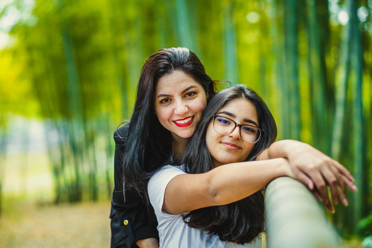 ensaio mae e filha no japao, ensaio familiar no japao, ensaio em aichi, ensaio floresta de bamboo no japao, ensaio fotografico no japao