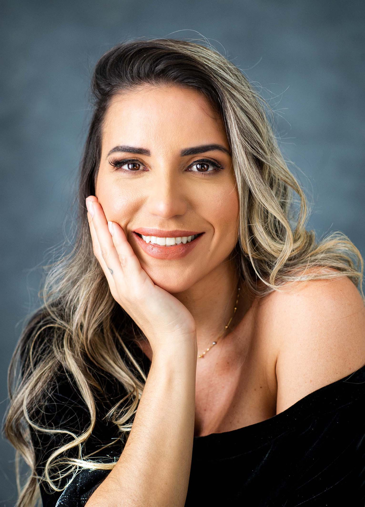 Retrato Corporativo da Dra Milena Ribeiro (harmonização facial)