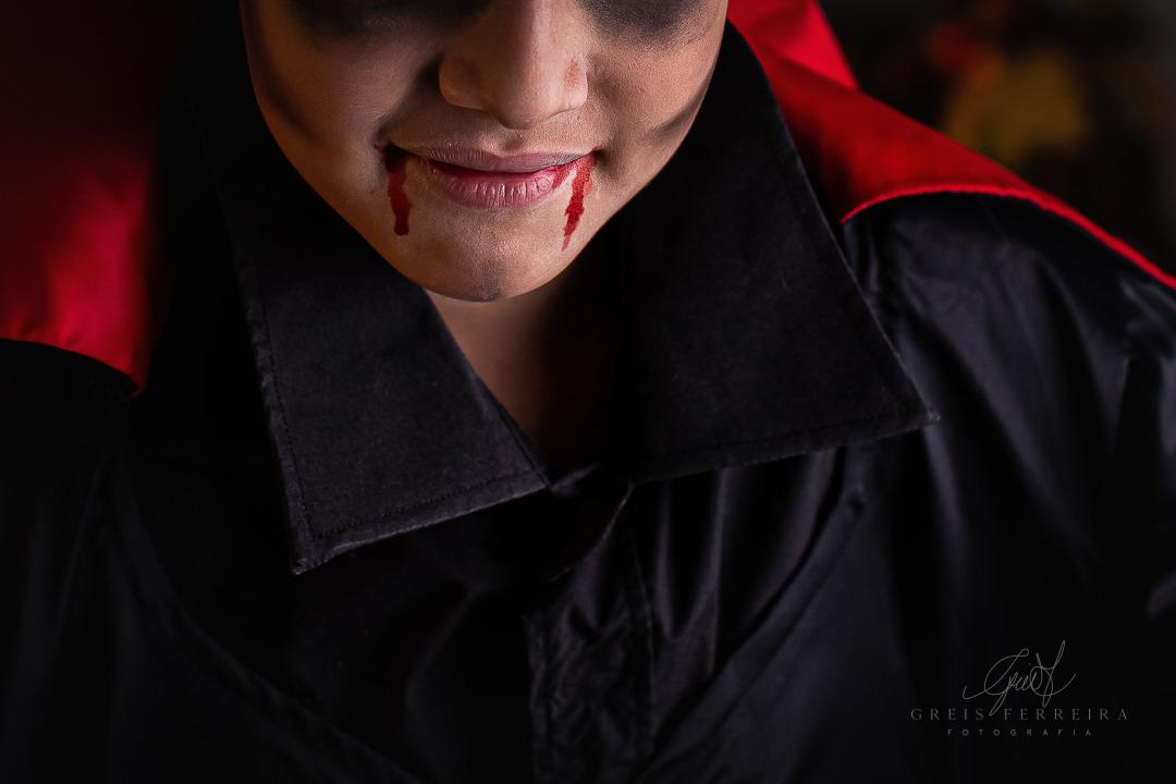 ensaio infantil de halloween dia das crianças vampiro